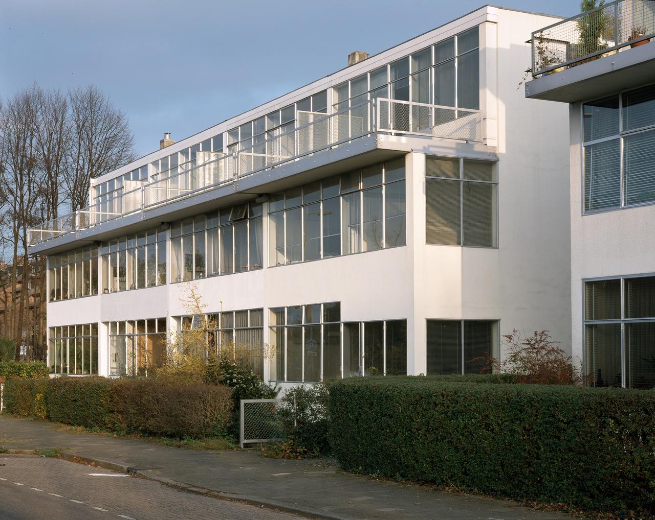 Erasmuslaan EXT 2002; foto EM.jpg